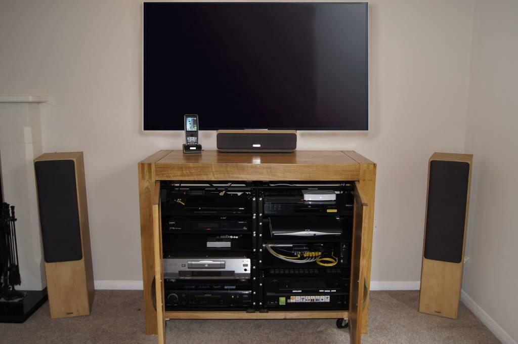 UK Home Cinemas Home Cinema Installers in Berkshire - 01344 773695 ...