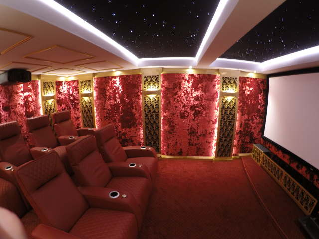 Art Deco home cinema in the south of France